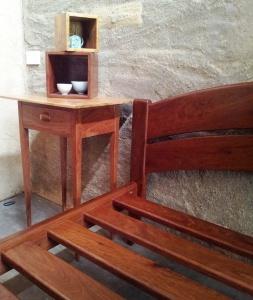 Callitris pine & ironbark table with double-arch ironbark bed