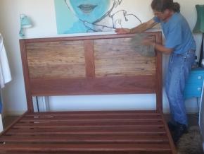 Floating Acacia paneling, ironbark structure